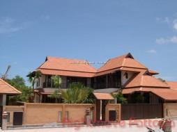 4 เตียง บ้าน สำหรับขาย ใน พัทยาตะวันออก - Siam Lake View