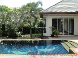 3 เตียง บ้าน สำหรับขาย ใน บางละมุง - Pool Villa