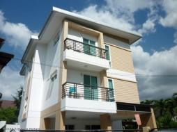 6 เตียง บ้าน สำหรับขาย ใน วงศ์อมาตย์ - Not In A Village