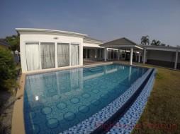 4 เตียง บ้าน สำหรับเช่า ใน พัทยาตะวันออก - Siam Royal View