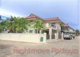 3 เตียง บ้าน สำหรับขาย ใน พัทยาตะวันออก - Tropical Village
