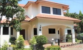 4 เตียง บ้าน สำหรับเช่า ใน พัทยาตะวันออก - Paradise Villa 1