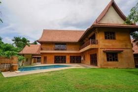 4 เตียง บ้าน สำหรับเช่า ใน พัทยาตะวันออก - Lanna Villas