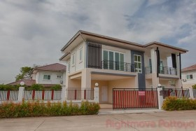 4 เตียง บ้าน สำหรับขาย ใน พัทยาตะวันออก - Lakeside Court 5