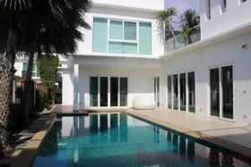 5 เตียง บ้าน สำหรับขาย ใน จอมเทียน - Palm Oasis