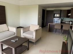 2 เตียง คอนโด สำหรับขาย ใน พัทยากลาง - Pinewood Residence