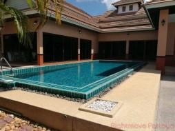 3 เตียง บ้าน สำหรับขาย ใน บางเสร่ - Dhewee Park Villa