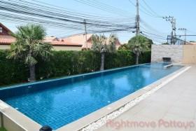 3 เตียง บ้าน สำหรับขายและให้เช่า ใน พัทยาตะวันออก - The Ville