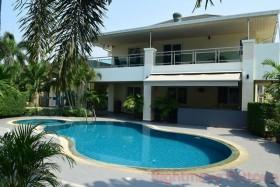 4 เตียง บ้าน สำหรับขาย ใน พัทยาตะวันออก - Greenfield Villas 4