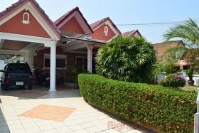 3 เตียง บ้าน สำหรับขาย ใน พัทยาตะวันออก - Watana Village