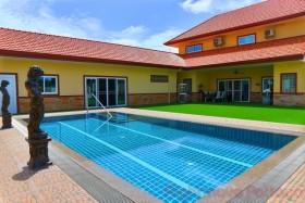 4 เตียง บ้าน สำหรับขาย ใน พัทยาตะวันออก - Miami Villas