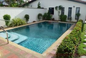 3 เตียง บ้าน สำหรับขายและให้เช่า ใน พัทยาตะวันออก - Mabrachan Garden