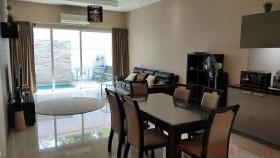 3 เตียง บ้าน สำหรับขาย ใน พัทยาตะวันออก - The Ville