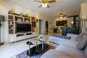 2 เตียง บ้าน สำหรับขายและให้เช่า ใน นาเกลือ