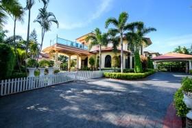 5 เตียง บ้าน สำหรับขาย ใน พัทยาตะวันออก - Paradise Villa 2