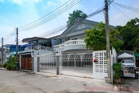 4 เตียง บ้าน สำหรับขาย ใน นาเกลือ - Not In A Village