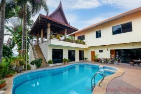 5 เตียง บ้าน สำหรับขาย ใน พัทยาตะวันออก - Paradise Villa 1