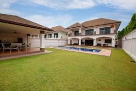 4 เตียง บ้าน สำหรับขาย ใน พัทยาตะวันออก - Lakeside Court 1